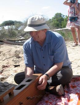 Paddy Bush playing the marovany